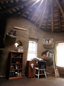 Interior view of cob cottage. Image courtesy of Brian Liloia.